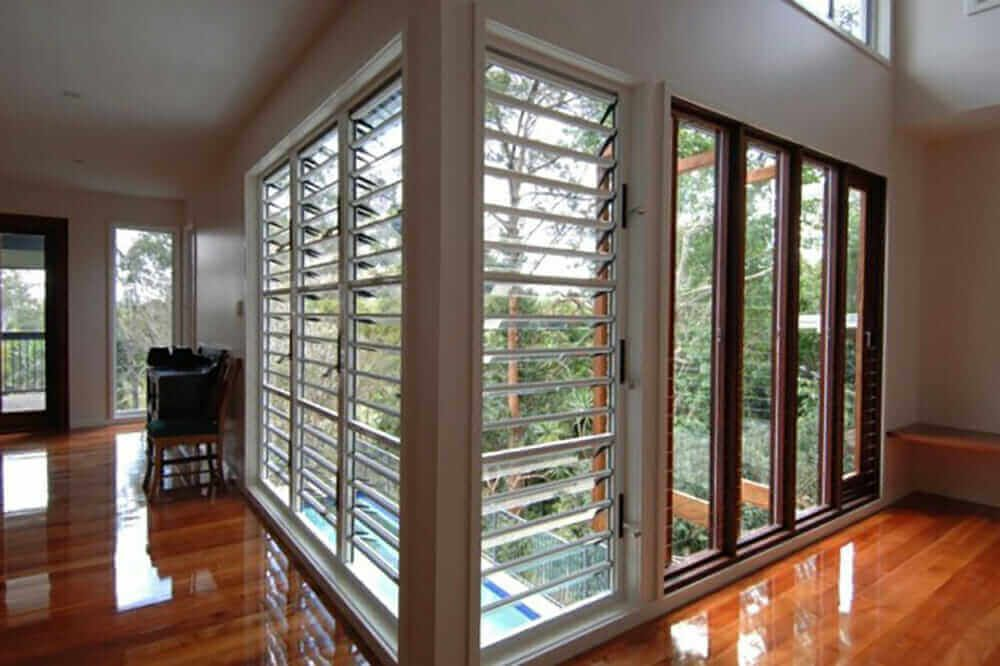5 STYLISH WAYS TO USE WINDOW GLASS IN YOUR HOME