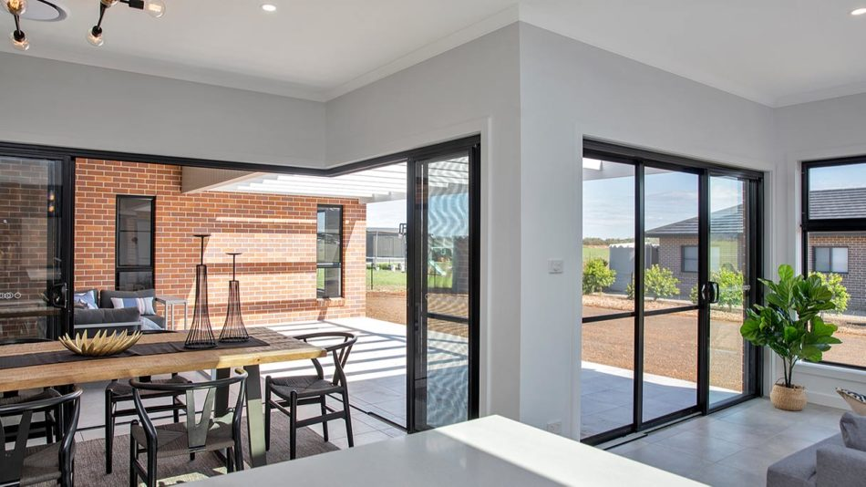 CHOOSE THE RIGHT GLASS FOR YOUR HOMES AND OFFICES
