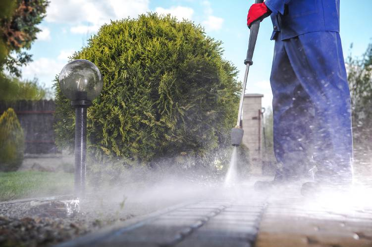 Dos and Don'ts of Pressure Washing